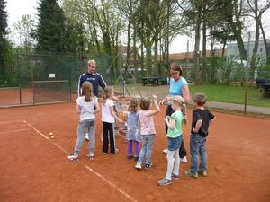 Mini- und Kids Tennis-Schnupper-Kurse beim Tennisclub TSV Burgdorf