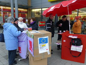                                    Informationsstand des DGB und Ver.di in Lehrte
