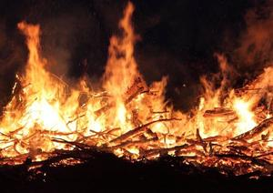 Osterfeuer in Schulenburg