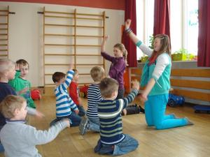 Firmkinder besuchen den Kindergarten Wortelstetten