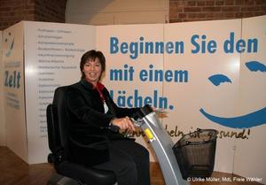 Ulrike Mller, MdL besucht Sozialforum in Memmingen