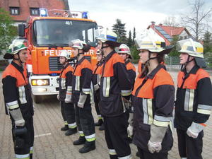Freiwillige Feuerwehr Langweid - Leistungsprfung Die Gruppe im Hilfeleistungseinsatz - zweimal ohne Fehler !!
