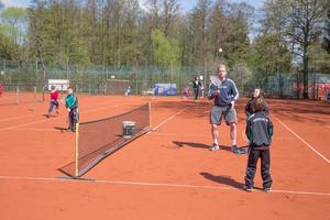 Schnuppertennis fr Kinder und Erwachsene beim TC TSV Burgdorf