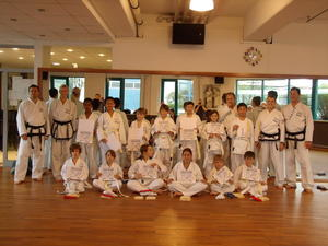 Gromeisterbesuch und Grtelprfungen beim TWIN Taekwondo Friedberg
