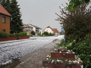 Starkes Hagelunwetter in Peine.