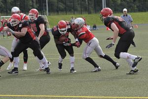 Jerome Castleberry #40 - hier energisch in Richtung Endzone. (Foto Gerhard Pohl)