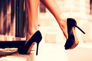 in High Heels schweben