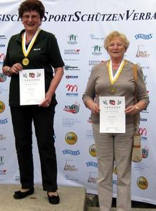 v.links Maria Kleinert Gold + Christa Leonhardt bronze