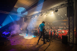 Sieben Bands rocken Reese Theater