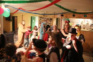 Bunte Faschingsparty