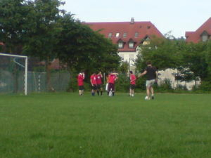 A tribute to: FC Gogol rot-weiß oder 'Mulleee! Lauf Mulle! Ja Mulle! Aaaah, schade Mulle!'