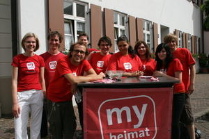 Do-It-Yourself: Verteilung der myheimat Magazine in Aichach