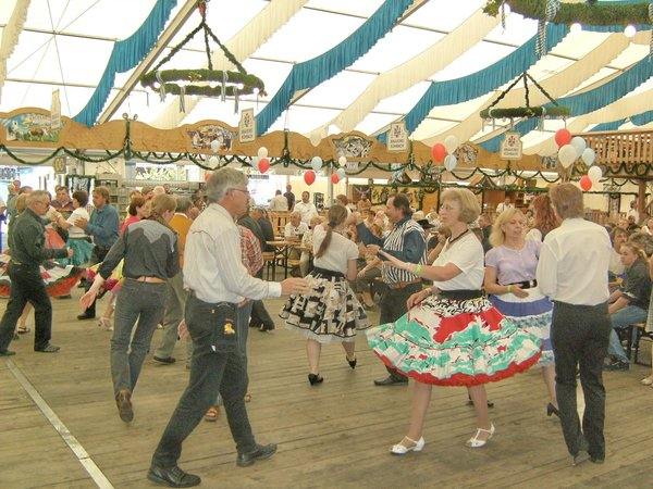 square-dance, friedberger-volksfest, the-hurly-burly-magixs, friedberger-volksfest-2009, pickup-ramblers, yellow-rose, westwood-wheelers