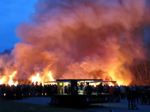 Osterfeuer in Lengede