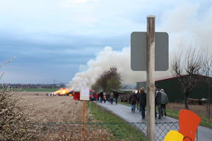 Osterfeuer in Holtensen