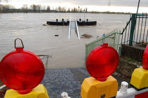 Advents-Hochwasser am Rhein