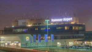 Airport Hannover bei Nacht...