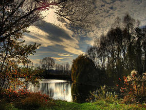 Am Schabringer See: Herbst in HDR-Farben