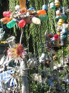 Recycling-Kunst am Zaun N.Y.2007