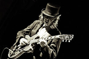 Nick Woodland | Rock | Blues