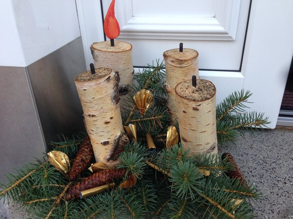 Die 1 kerze brennt im advent bad arolsen for Gartendeko advent