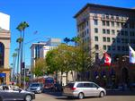 . . .  in Beverly Hills, am 'Wilshire Boulevard' . . .