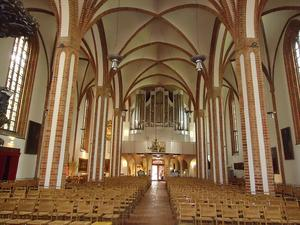 wie fotografiere ich eine kirche innen richtig dortmund. Black Bedroom Furniture Sets. Home Design Ideas