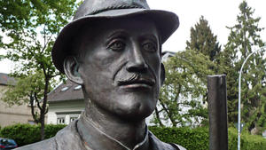 Hermann-Löns-Statue in Walsrode
