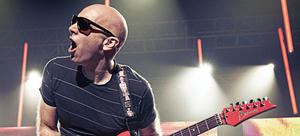 JOE SATRIANI  ( World Tour 2014 ) @ Ulmer Zelt
