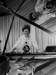 Happy birthday   ,Mrs. Satchmo.....alias Prof.Ilse Storb