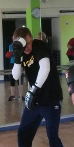 Kickboxen: Deckungsarbeit, hier Trainer Eric Beer in Action!