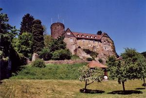 MacElch  https://commons.wikimedia.org/wiki/File:Burg_Nordeck_01.jpg#/media/File:Burg_Nordeck_01.jpg