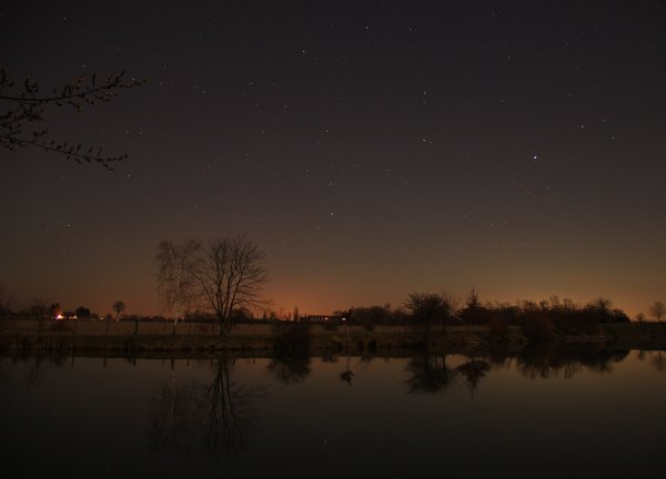 oase, baggersee-bei-nacht