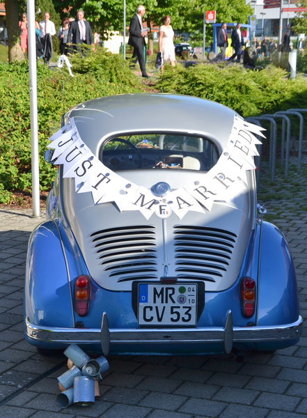 oldtimer, just-married