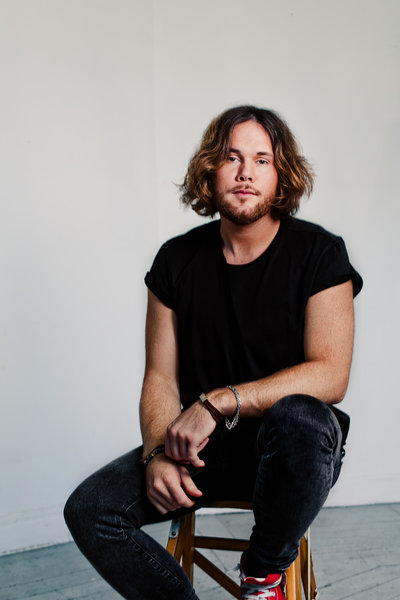 "Alex Shield – das Songwriting-Talent aus Schweden –  neue Single ""The Good Fight"" (VÖ 07.07.) –  veröffentlicht auf Per Gessles (Roxette) neuem Label Space Station 12"