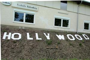 HOLLYWOOD in Battenberg.