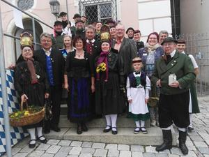 Altenburger Folkloreensemble mit Gredinger Bürgermeister