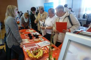 Reges Interesse am Informationsstand des Kursana Domizils.