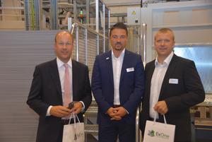 (v.l.n.r.): Landrat Martin Sailer, Eric Bader (Managing Director ExOne) und Referent Christoph Kunz (Head of Portfolio Management, Siemens).
