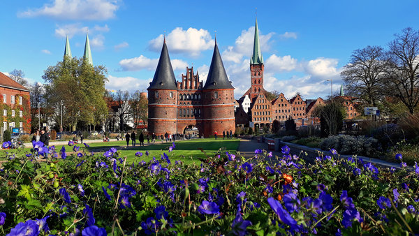 holstentor, holstentorplatz-lübeck