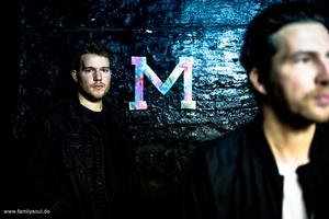 Mama - EP 'The Call' (VÖ 15.12.) - Downbeat Electro mit großer Message, laut und voller Energie