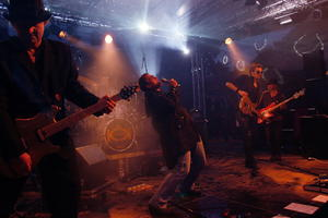 Gasthaus zur Tenne; Konzert; 09.06.18. Der Glamrock kommt in die Tenne: King Curry