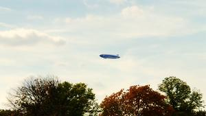 20. September 2018. Im Stadtpark in Hannover am Congress Centrum. Zeppelin über Hannover!
