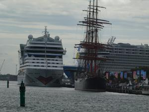 Cruise-Festival in Rostock-Warnemünde