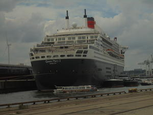 Queen Mary 2!