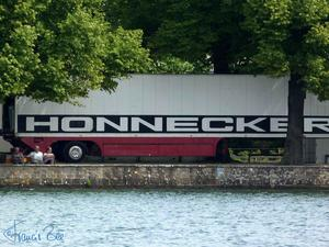 Honnecker ...