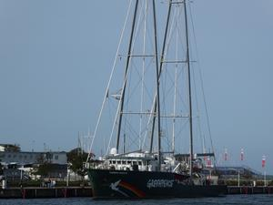 Greenpeace Schiff Rainbow Warrior in Warnemünde