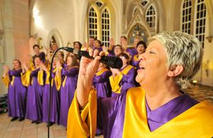 "Gospel-Weltreise mit ""Joy Message"" in der Kreuzkirche Springe"
