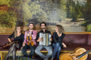 Konzert der NouWell Cousines am 30. November 2019 in Perlach