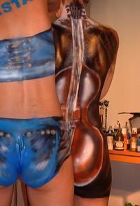Damals in Hannover: Body-Painting im Kaufhaus